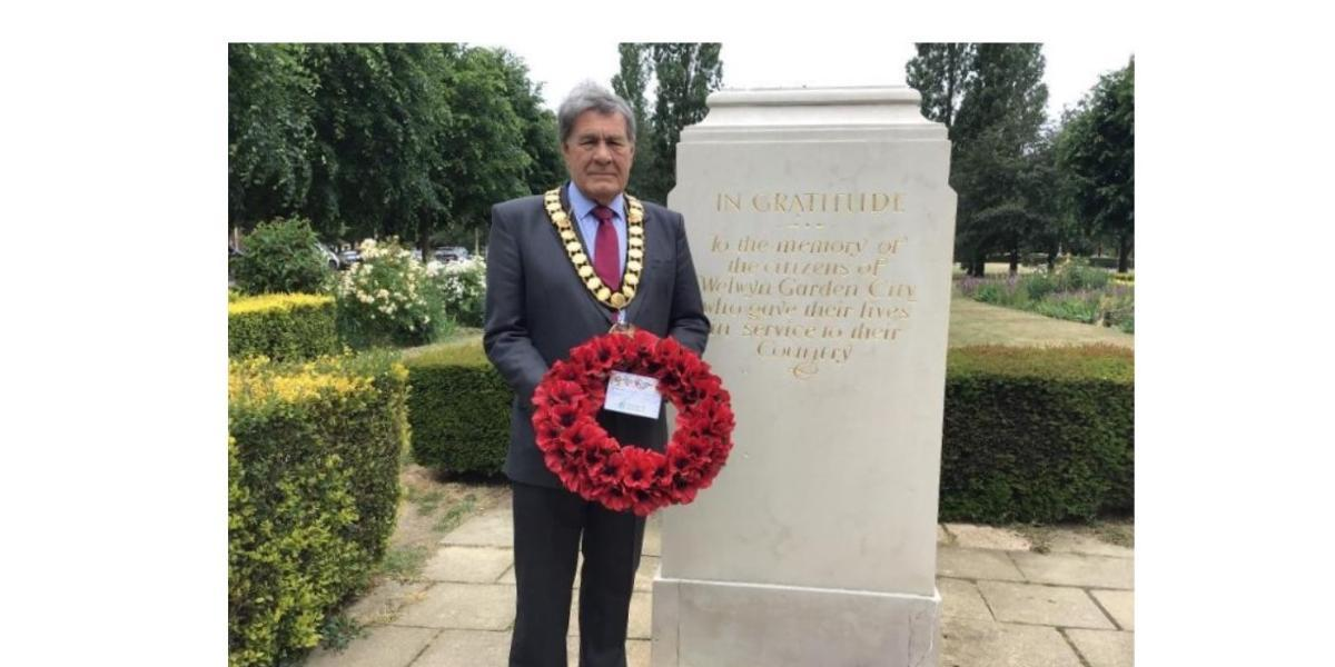 Wreath laying to commemorate D-Day